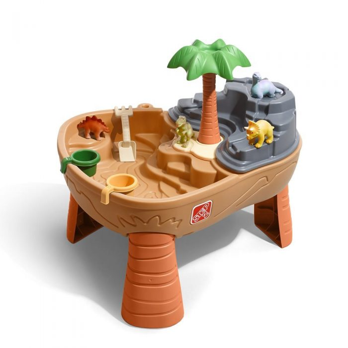 Sand and Water table | Last Minute Christmas Gifts for Babies and Kids