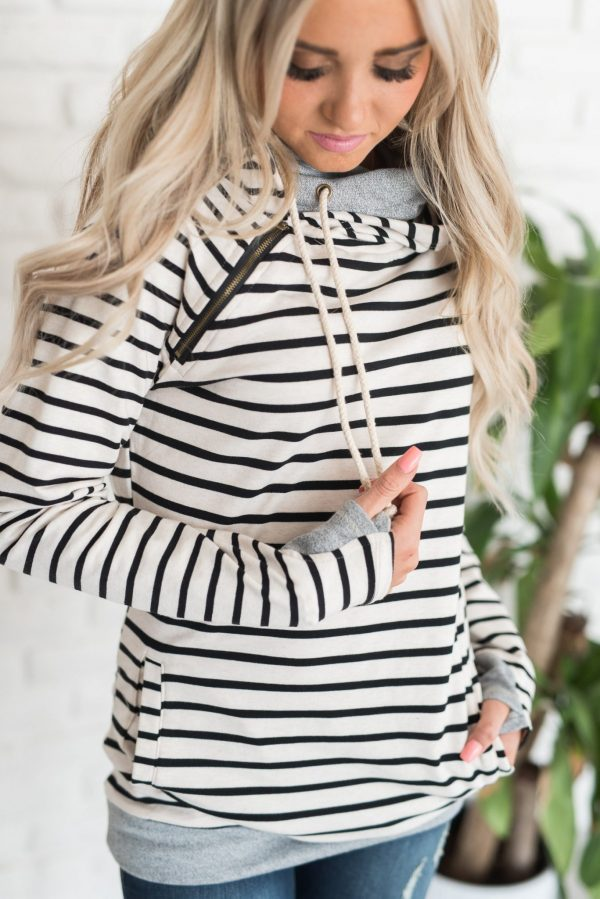 | cute lounge outfits for moms