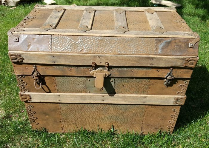 Antique Steamer Trunk Clean up