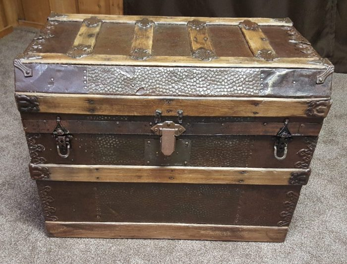 DIY Toy Box Treasure Chest from Antique Steamer Trunk closed
