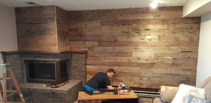 Last board - DIY Barnwood Wall