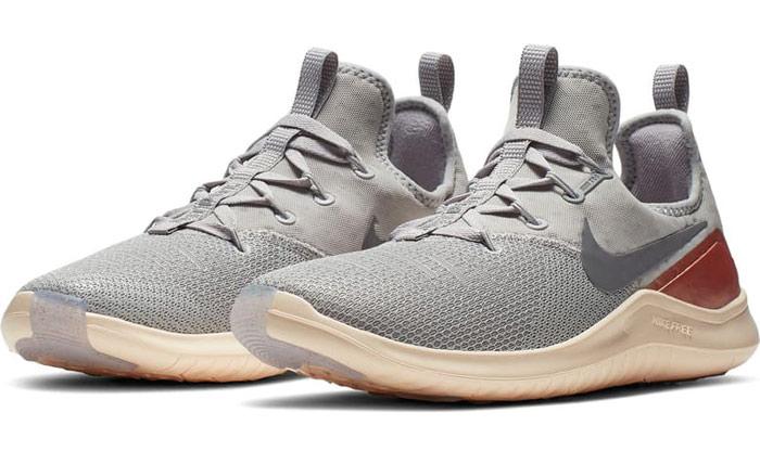 nike grey sneajers