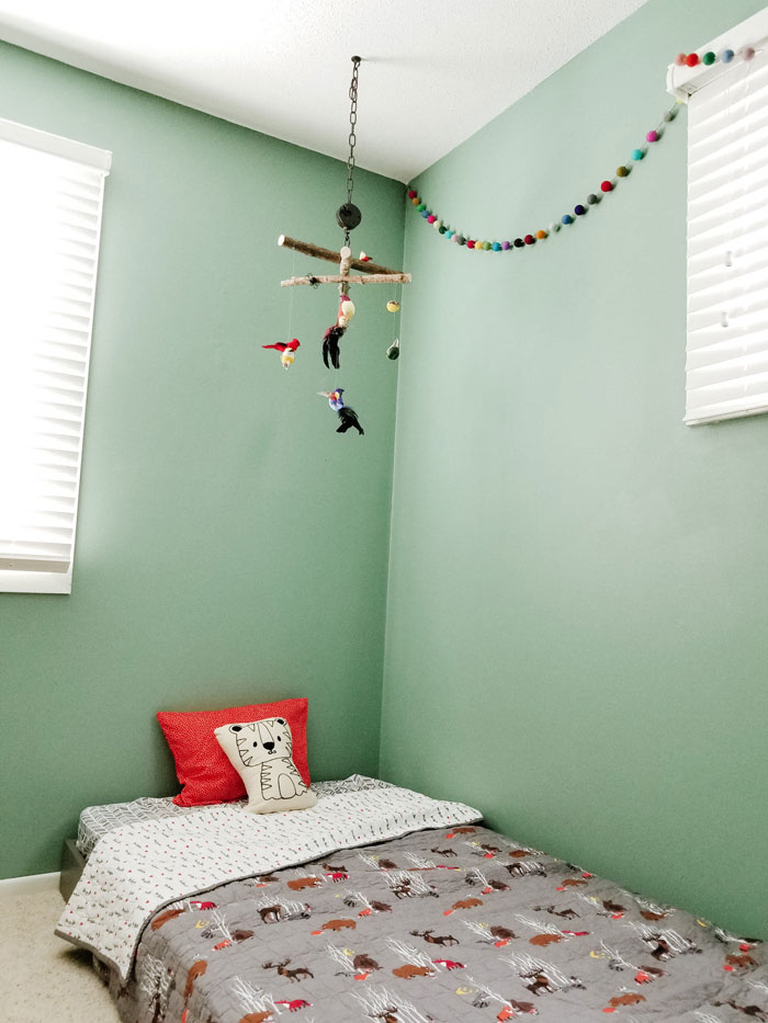 toddler room ideas - diy bird mobile and toddler floor bed