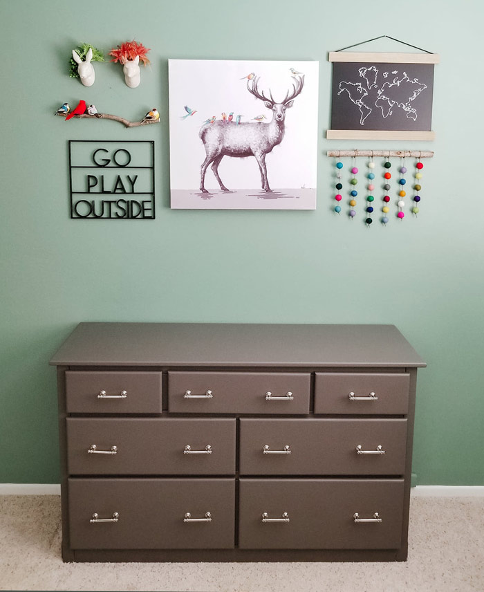 toddler room ideas - woodland wall decor