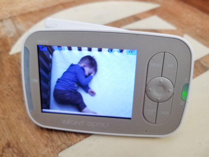 Infant Optics DXR-8 Video Baby Monitor Review - Color