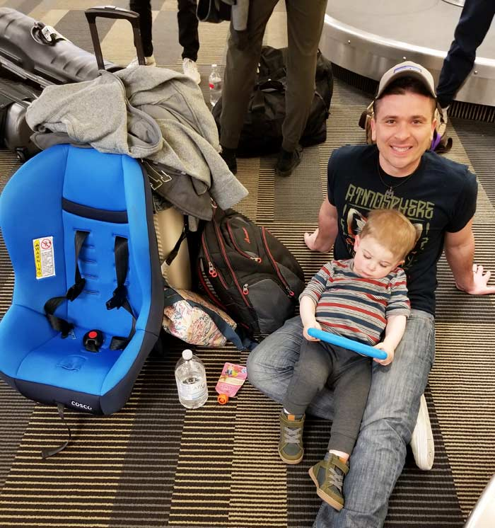 flying with toddler - surviving the airport